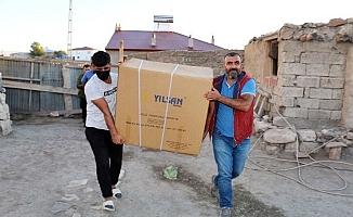 Diyadin'de engelli vatandaşlara akülü sandalye hediye edildi