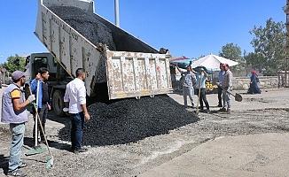Diyadin'de sıcak asfalt çalışmaları sürüyor