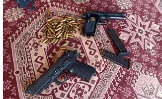 Ağrı'da kaçak silah operasyonu yapıldı!