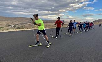 Ağrı'da Kayaklı Koşu Antrenmanı Yapıldı