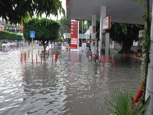 Hatay'da ki Şiddetli Yağış Hayatı Felç Etti