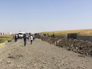 Askeri Aracın Geçişi Sırasında Patlama: 2 Sivil Hayatını Kaybetti