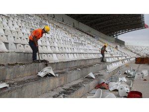 Eski 4 Eylül Stadyumu'nun Yıkım Çalışmalarına Başlandı
