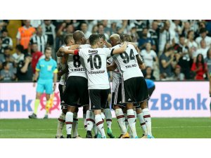 Beşiktaş'ın Forvet Oyuncuları Çıkış Arıyor