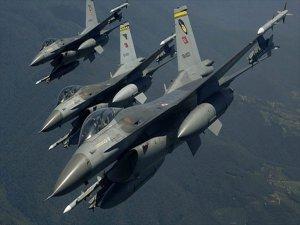 Pkk Kampları Savaş Uçaklarının Baskısı Altında
