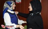 Milli Eğitim Müdür Vekili Neriman Karakoç'tan Çalışan Kadınlara Gül jesti
