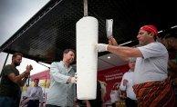 Bursa'da 1 Ton Dondurma Ücretsiz Dağıtıldı