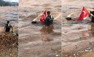 Sahil Güvenlik Türk Bayrağını Kurtardı