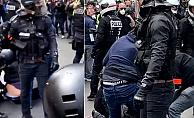 Fransız polisi Yeniden Sert Çıktı