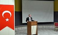 """Ağrı'da """"Eğitimde Yeni Paradigmalar"""" konferansı düzenlendi"""