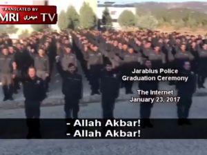 Türk Polis Üniformasıyla Bir İlk! Allah Tağutlardan Büyüktür