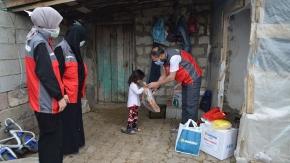 Sadakataşı Derneği'nden Ağrı'da İhtiyaç Sahibi Ailelere Yardım