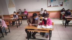 Diyadin Kaymakamı Alper Balcı Öğrencileri Sevindirmeye devam ediyor