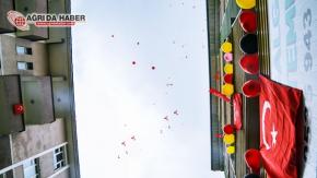 Ağrı'da 23 Nisan Dolayısıyla Gökyüzüne 5 Bin Balon Bırakıldı
