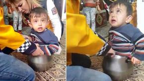 Ağrı'da Afacan Çocuk Düdüklü Tencereye Sıkıştı