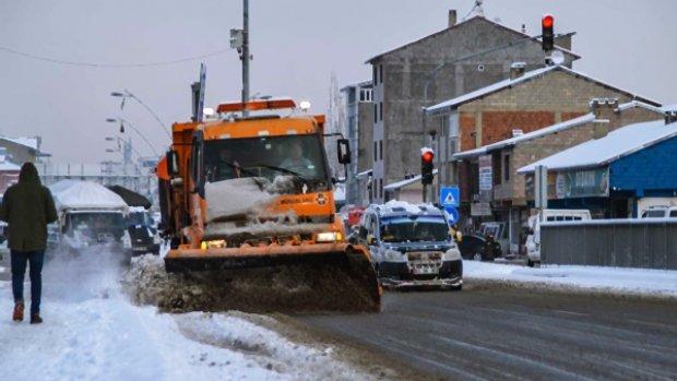 Doğu'da 522 , Ağrı'da 328 köy yolu ulaşıma kapandı